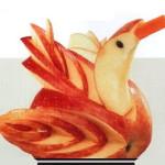 птица из яблока