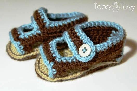 Вязаные пинетки - сандалики.